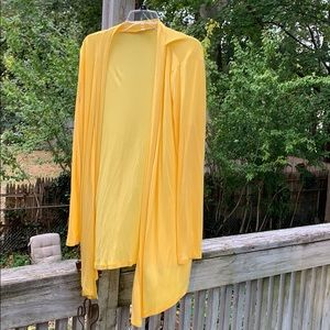 NWOT Yellow Cardigan, soft and light 1xl